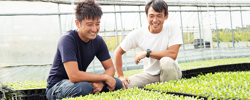 写真:遠藤さんと濱野さんが微笑んでいる様子1